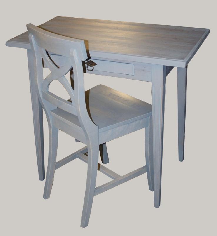 Pieni kirjoituspöytä